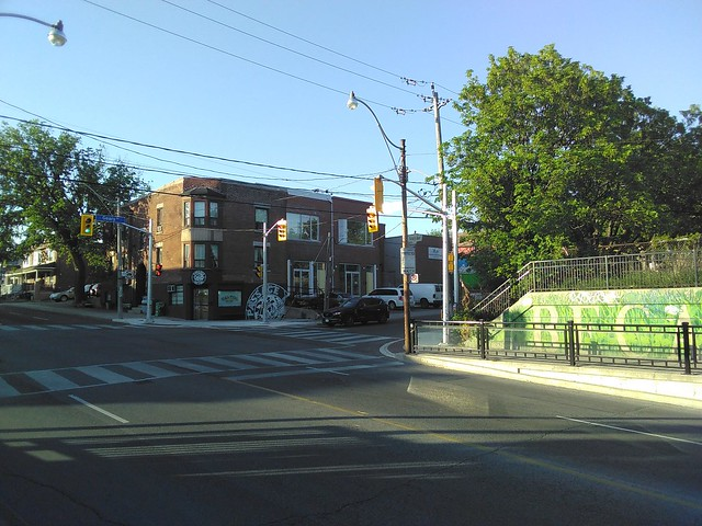 Dovercourt and Geary, 7:33 pm #toronto #davenport #dovercourtroad #gearyave #intersection #evening