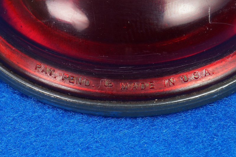 RD29098 Rare Vintage Eagle Oil Can Hand Oil Dropper Transparant Red Plastic Oiler NICE DSC05904