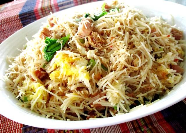 Fried luncheon meat & celery bihun