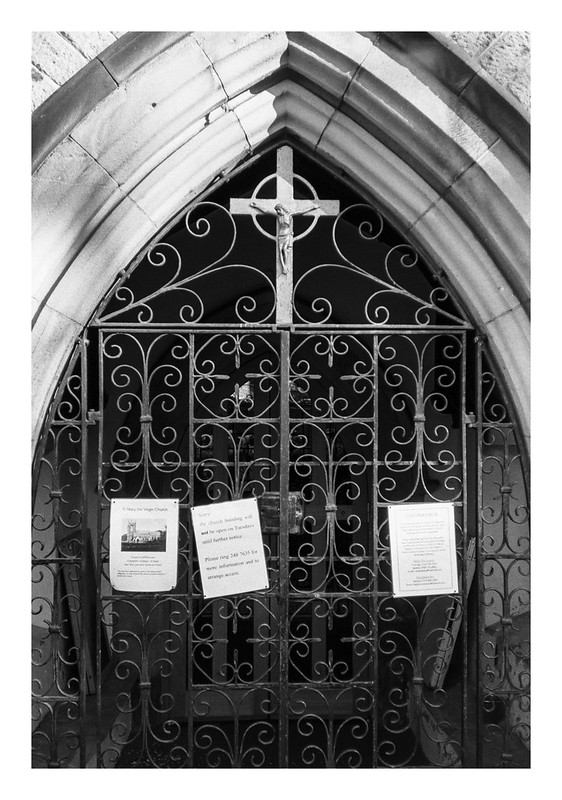 Pandemic scenes - Church