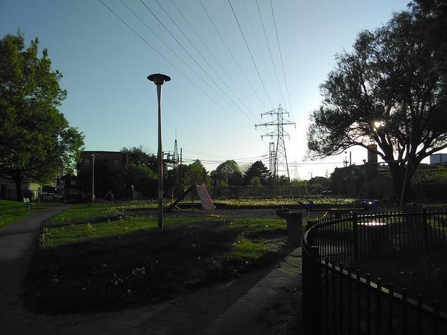 Empty playground #toronto #davenport #gearyave #bristolavenueparkette #playground #parks #evening #socialdistancing