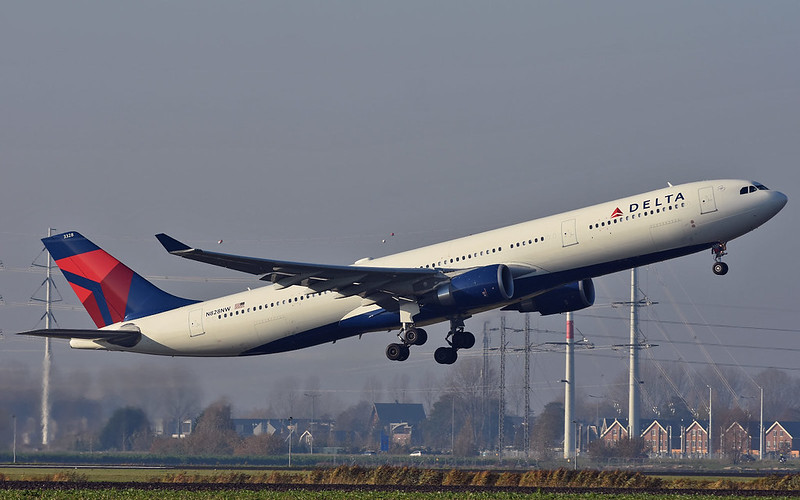 Airbus-A330-300-Delta-Air-Lines-N828NW