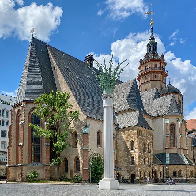 Nikolaikirche mit Friedenssäule, Leipzig