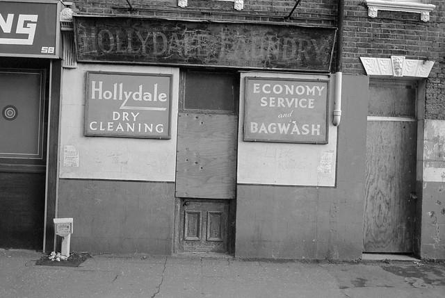 Hollydale Laundry, Vauxhall St, Vauxhall, Lambeth, 1984 84-3b-63