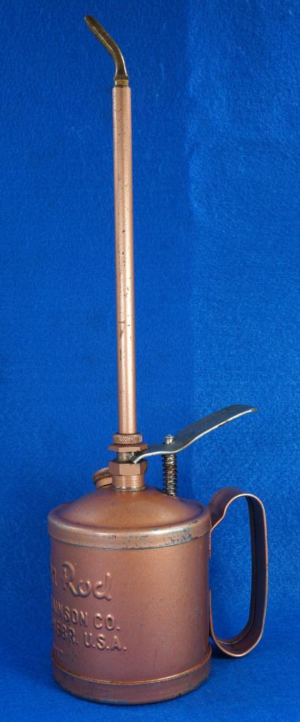 RD28923 Vintage Golden Rod Dutton-Lainson Hastings, Nebr. Old Script 1 Pint Oil Can with Paper Label DSC05958