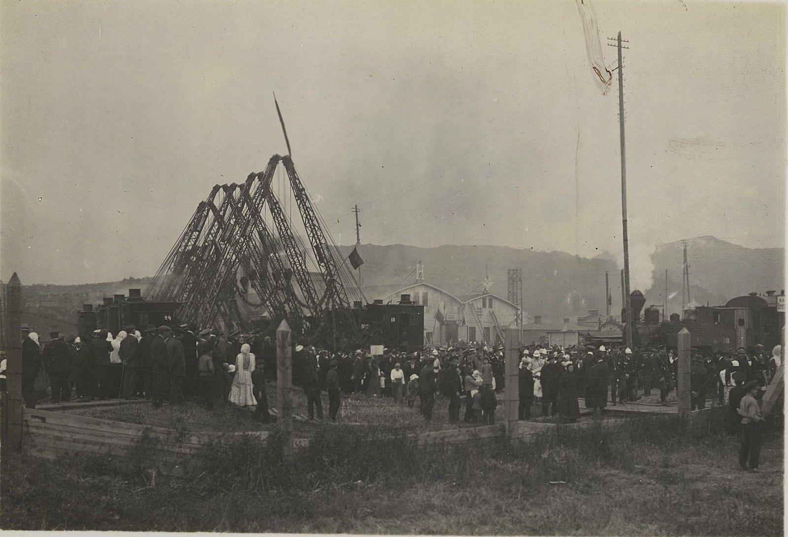31. Приглашённые лица направляются от силовой станции к главной конторе