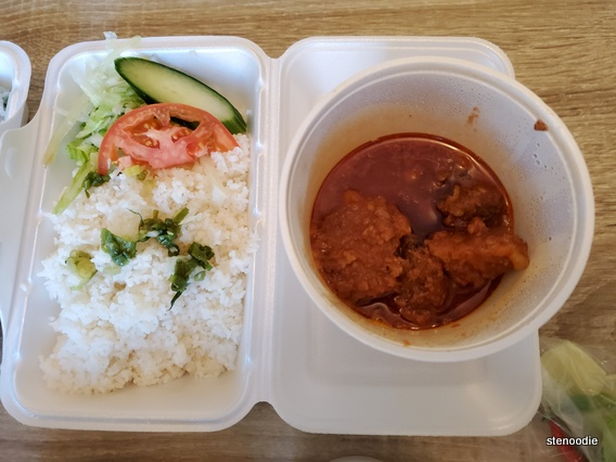 Tomato Sauce Beef Brisket with Rice