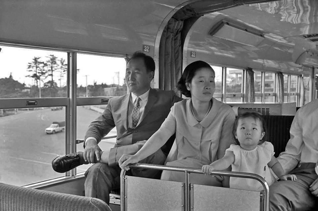 Reverendul Moon & Familia - Fotografii Rare
