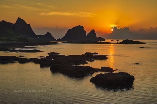 sunrise dongqingvillage lanyu taitung taiwan dongqingbay dongqing bay 東清村 蘭嶼 台灣 台東 日出