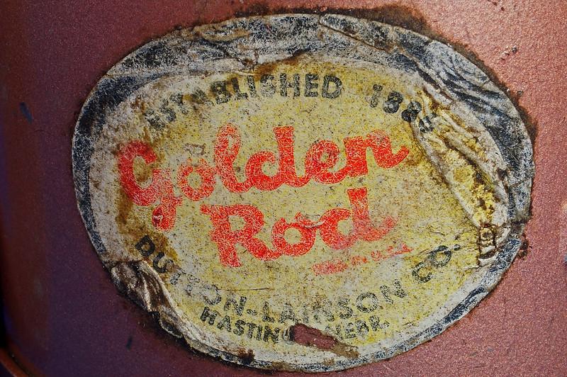 RD28923 Vintage Golden Rod Dutton-Lainson Hastings, Nebr. Old Script 1 Pint Oil Can with Paper Label DSC05966