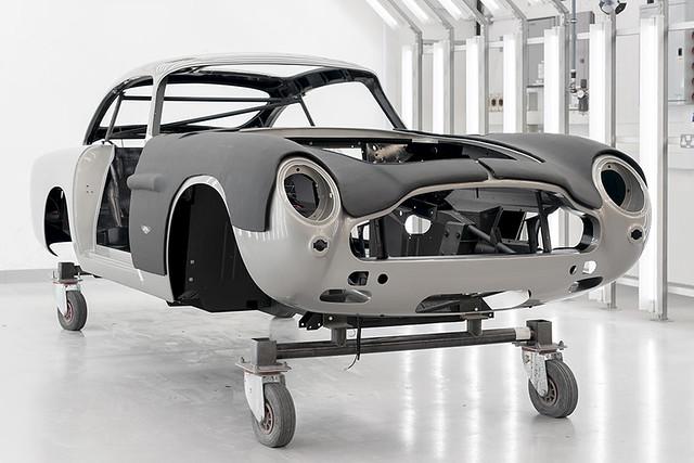 Aston Martin DB5 Goldfinger Continuation_16