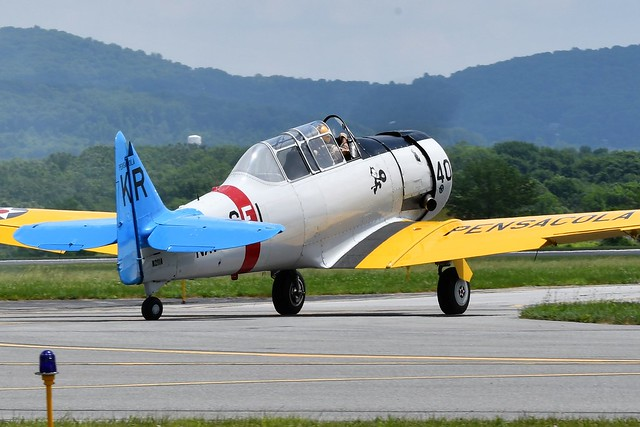 North American SNJ-6 Texan 44-81596 USAAF N211A