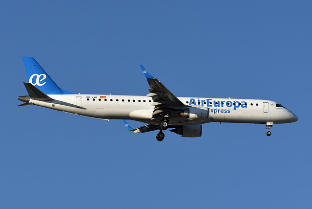 Air Europa Express Embraer ERJ-195LR EC_KYO