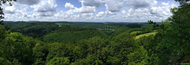 Panoramique du Belvédère des Feuilles - Vue sur les Gorges du Lison