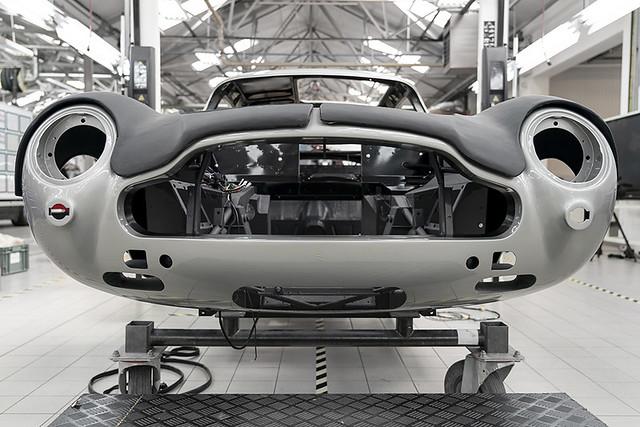 Aston Martin DB5 Goldfinger Continuation_15
