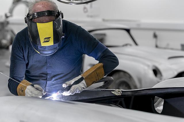 Aston Martin DB5 Goldfinger Continuation_09
