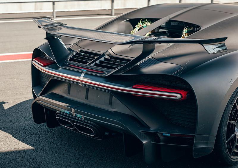 Bugatti-Chiron-Pur-Sport-Detail-13