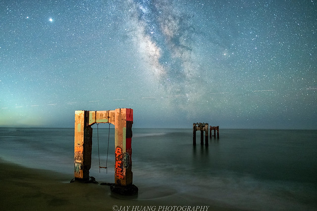 Abandoned Pier & Starlink