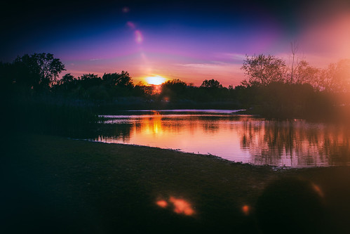 fedesk8 federicoscottophotography fedescotto buckscounty sunset tramonto fujifilmxm1 light leak reflections nature water lake