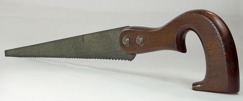 RD20031 Antique THE SIMONDS SAW CO  Fishtail Handle Keyhole Saw 16 inch Blade DSC06113