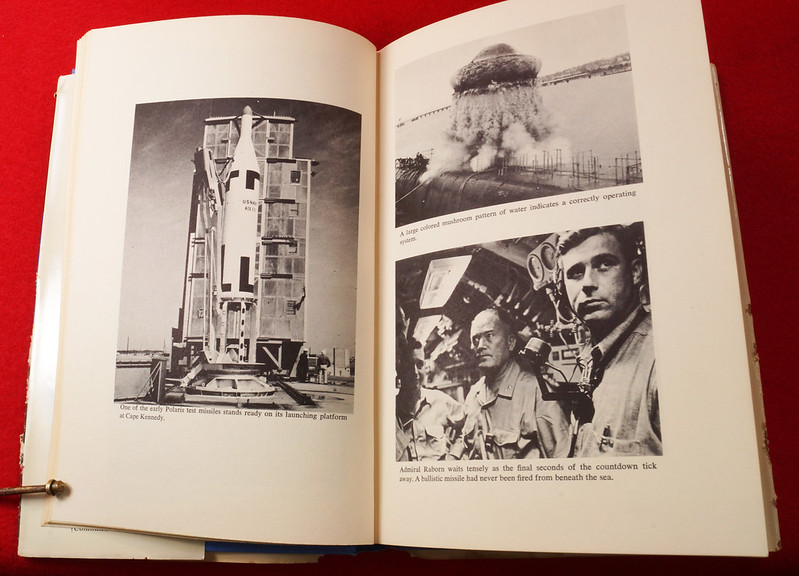 RD17139 1959 Defenders of America National Biscuit Co No.  4 Polaris Submarine Plus Book  Missile Base Beneath the Sea The Story of Polaris 1969 Dicerto DSC06127