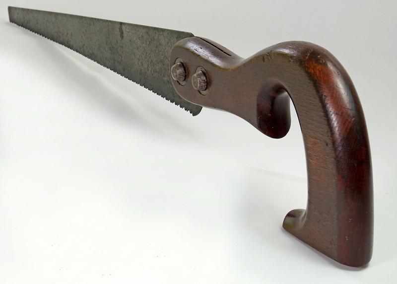 RD20031 Antique THE SIMONDS SAW CO  Fishtail Handle Keyhole Saw 16 inch Blade DSC06112