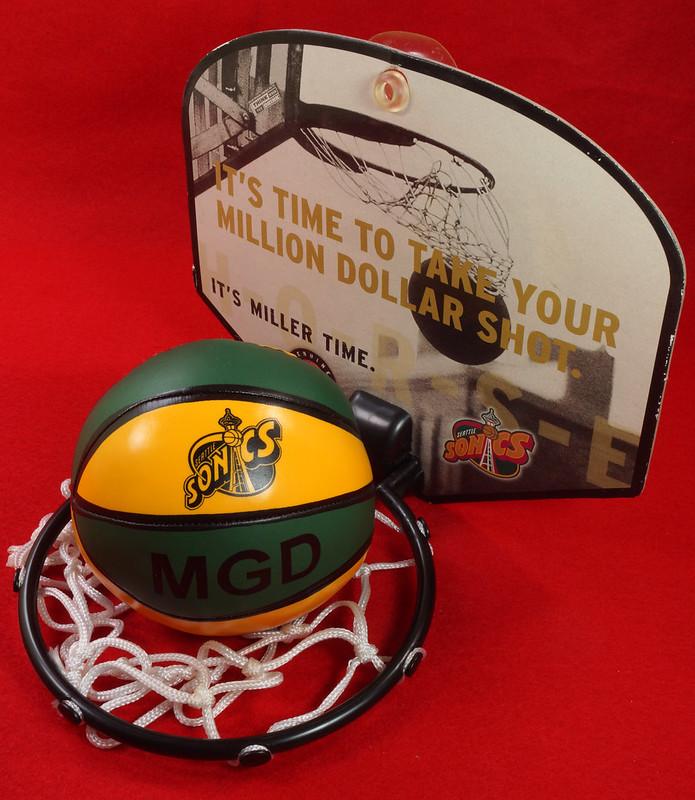 RD24932  Vintage MGD Seattle Sonics Mini Basketball & Hoop Advertising Miller Genuine Draft Beer DSC06168