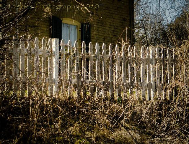 Sun On The Picket Fence (HFF)