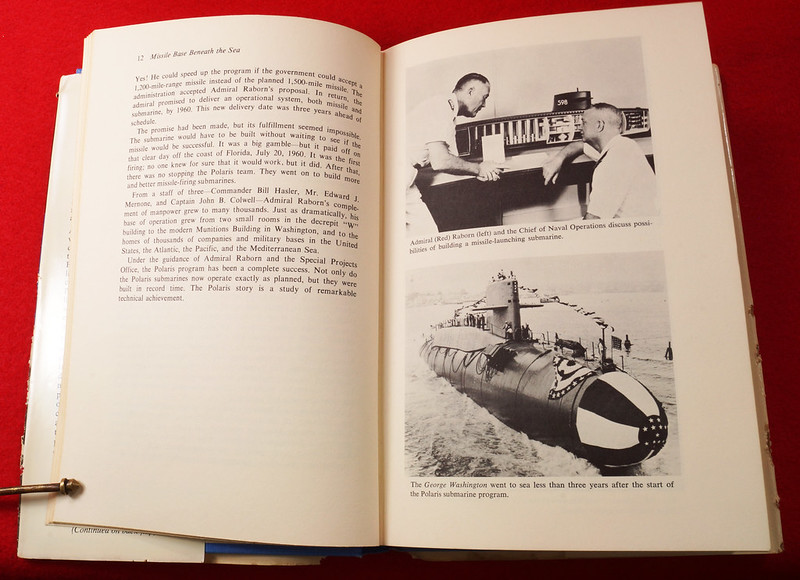 RD17139 1959 Defenders of America National Biscuit Co No.  4 Polaris Submarine Plus Book  Missile Base Beneath the Sea The Story of Polaris 1969 Dicerto DSC06126