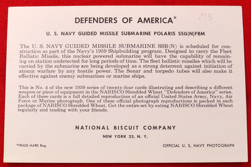 RD17139 1959 Defenders of America National Biscuit Co No.  4 Polaris Submarine Plus Book  Missile Base Beneath the Sea The Story of Polaris 1969 Dicerto DSC06121