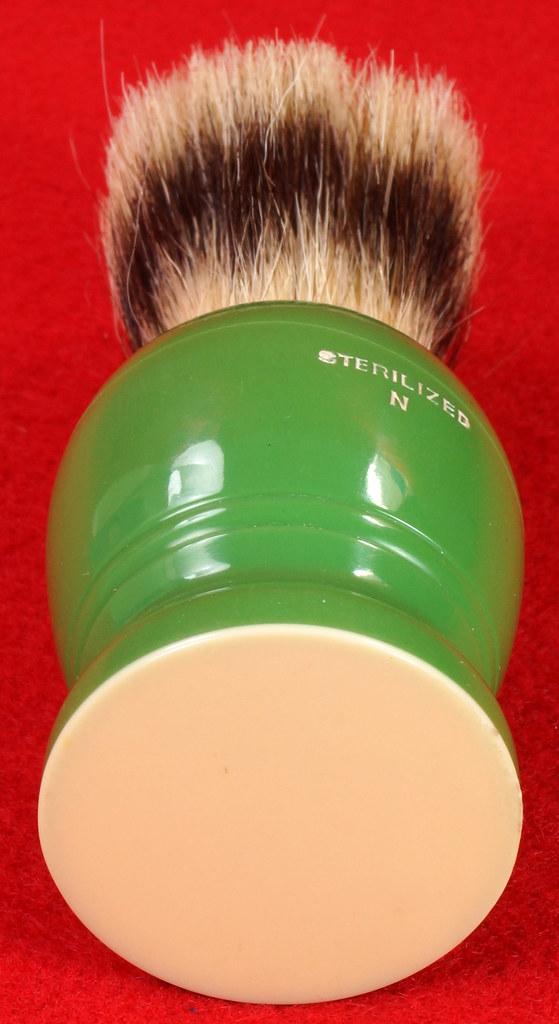 RD21358 Rare Antique Ever-Ready Shaving Brush 50R Sterilized N Green Bakelite Handle in Box DSC06181
