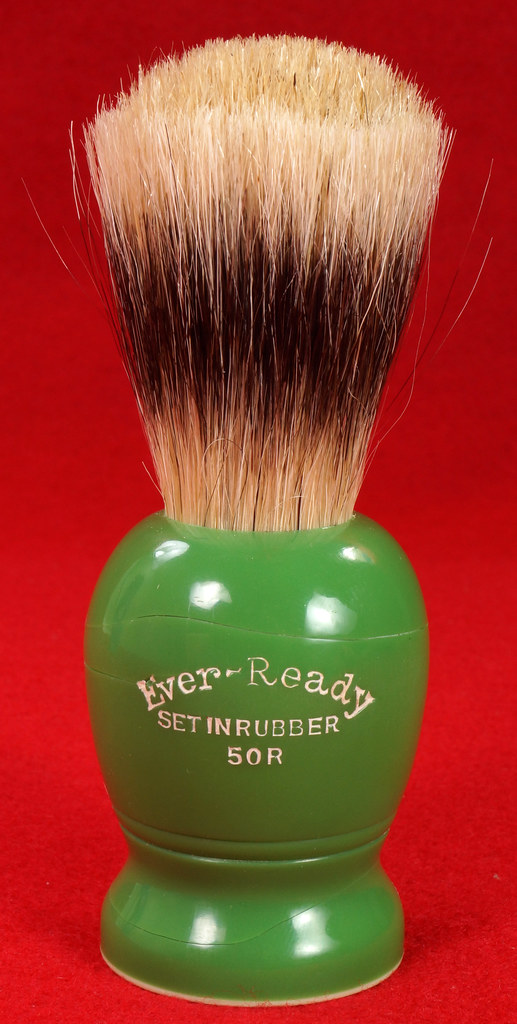 RD21358 Rare Antique Ever-Ready Shaving Brush 50R Sterilized N Green Bakelite Handle in Box DSC06175