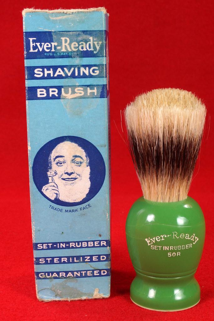 RD21358 Rare Antique Ever-Ready Shaving Brush 50R Sterilized N Green Bakelite Handle in Box DSC06170