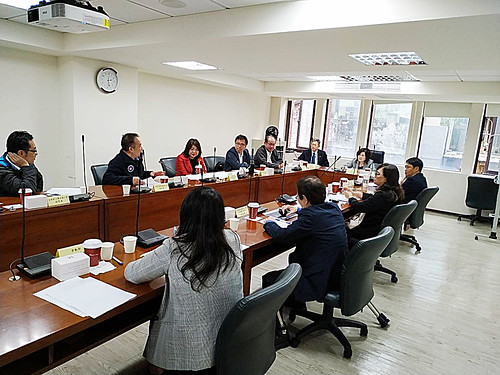 各勞工團體與許部長開會情形