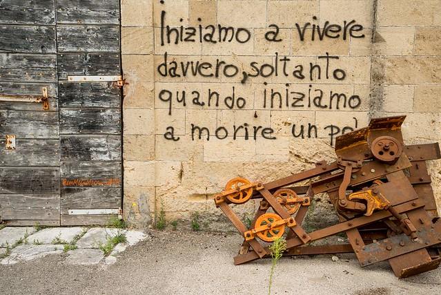 INIZIAMO A VIVERE DAVVERO, SOLTANTO QUANDO, INIZIAMO A MORIRE UN PO' ... 1