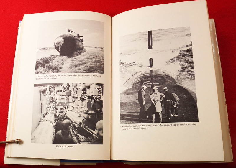 RD17139 1959 Defenders of America National Biscuit Co No.  4 Polaris Submarine Plus Book  Missile Base Beneath the Sea The Story of Polaris 1969 Dicerto DSC06128