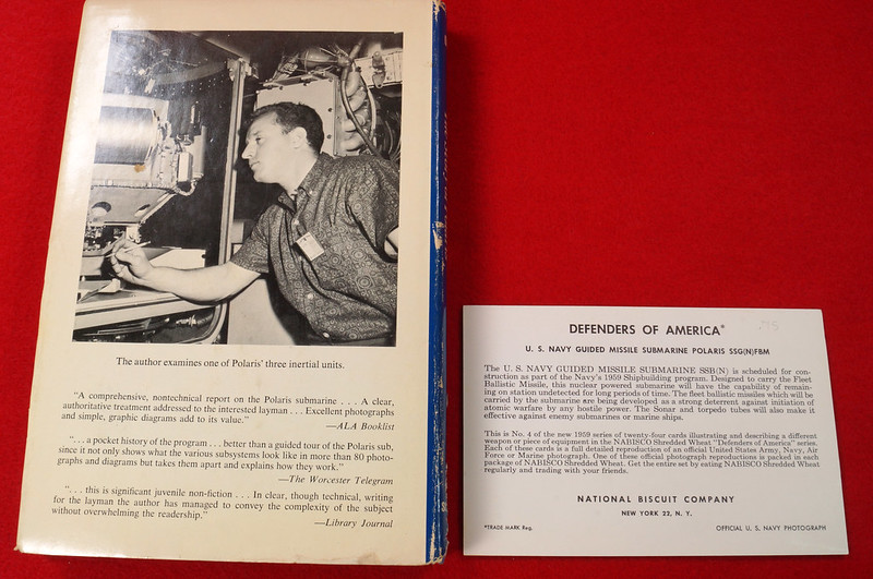 RD17139 1959 Defenders of America National Biscuit Co No.  4 Polaris Submarine Plus Book  Missile Base Beneath the Sea The Story of Polaris 1969 Dicerto DSC06118