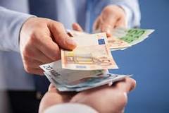 Ponuka požičania peňazí medzi jednotlivcami - titulní fotka