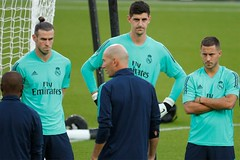 """Thibaut Courtois and Eden Hazard coded Real Madrid in the Chelsea locker room: """"Nice to speculate on"""""""