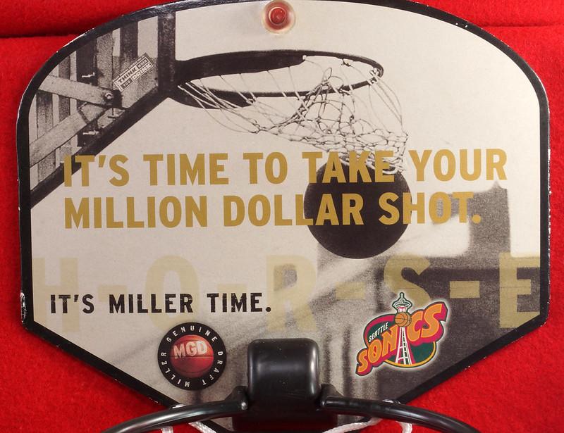 RD24932  Vintage MGD Seattle Sonics Mini Basketball & Hoop Advertising Miller Genuine Draft Beer DSC06161