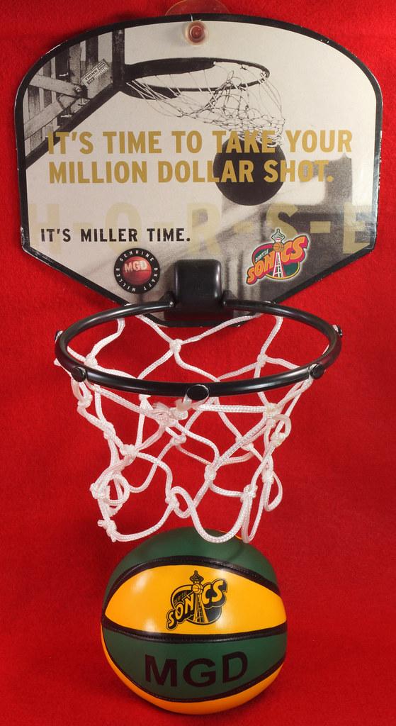 RD24932  Vintage MGD Seattle Sonics Mini Basketball & Hoop Advertising Miller Genuine Draft Beer DSC06158