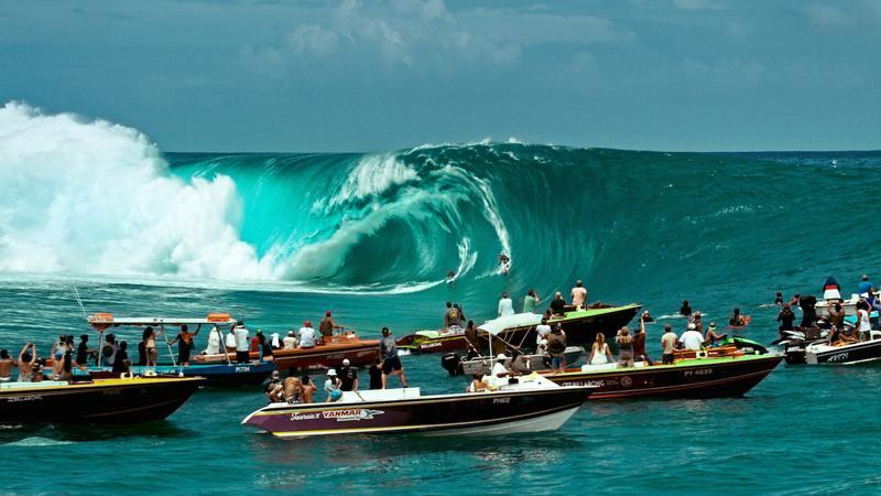 Escenas surfing en Hawai