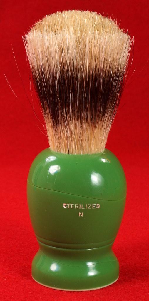 RD21358 Rare Antique Ever-Ready Shaving Brush 50R Sterilized N Green Bakelite Handle in Box DSC06177