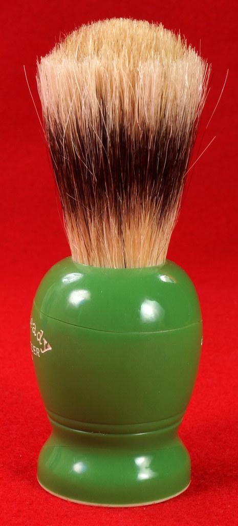 RD21358 Rare Antique Ever-Ready Shaving Brush 50R Sterilized N Green Bakelite Handle in Box DSC06176