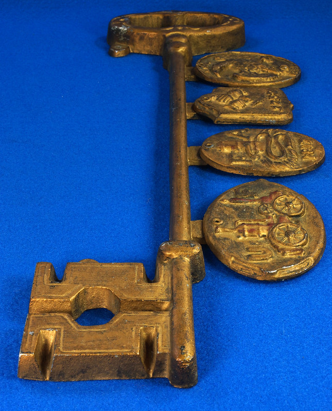 RD27931 RARE Mid Century Sexton Wall Hanging Metal Key with Fire Insurance Marks DSC06204