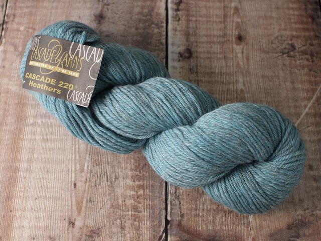 Destash yarn: Cascade 220 Heathers worsted weight wool yarn 100g – Summer Sky (light blue)