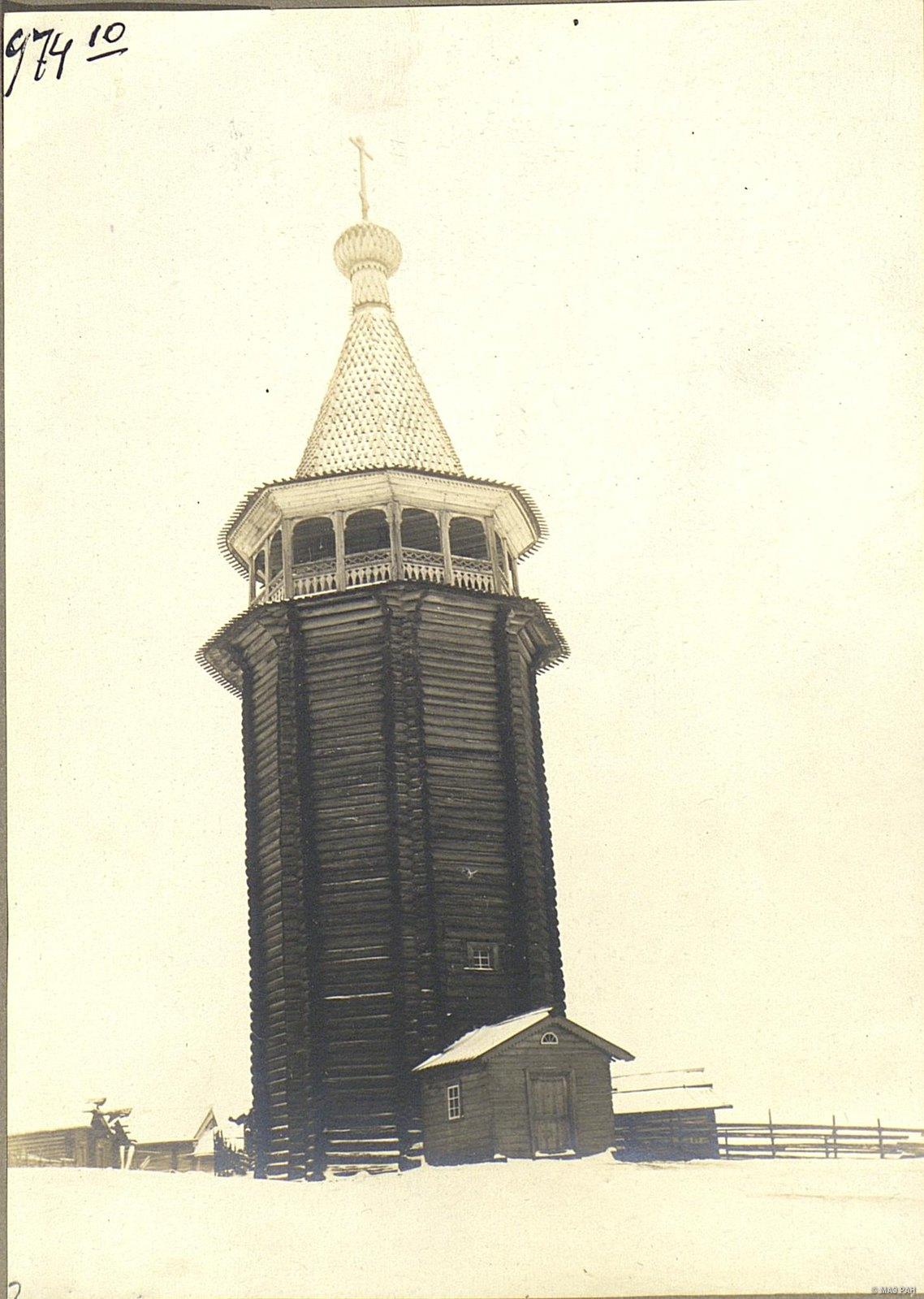Колокольня XVII века. с. Юрома