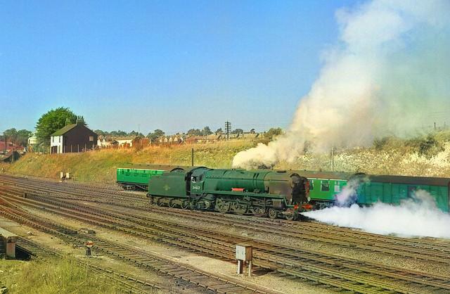 1964/09/12 - 03.  34037 at Basingstoke.