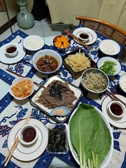 A japanese dinner cooked by witah horoganza ne.