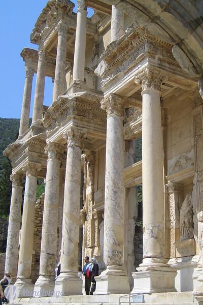 Bibliothèque de Celsius (Celsus Kütüphanesi)